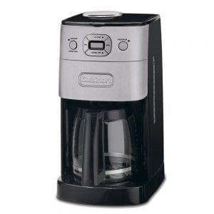 49c3094b3f3 La novedad de esta cafetera automática es su sistema dos en uno Grind and  Brew que incorpora un molinillo automático